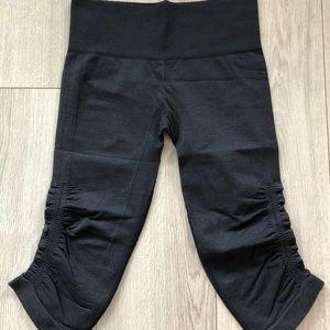Lululemon Cropped Leggings (size 6)